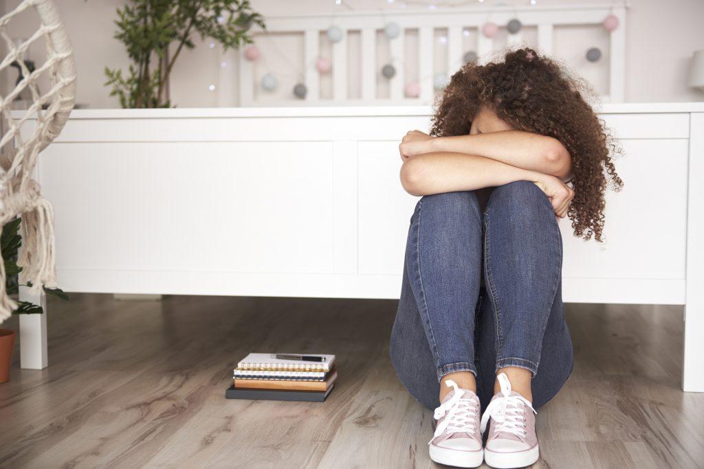 ruptura amorosa en la adolescencia Ruptura amorosa en la adolescencia: cómo ayudar a tu hijo a superarlo la ruptura amorosa en la adolescencia 1 1024x683