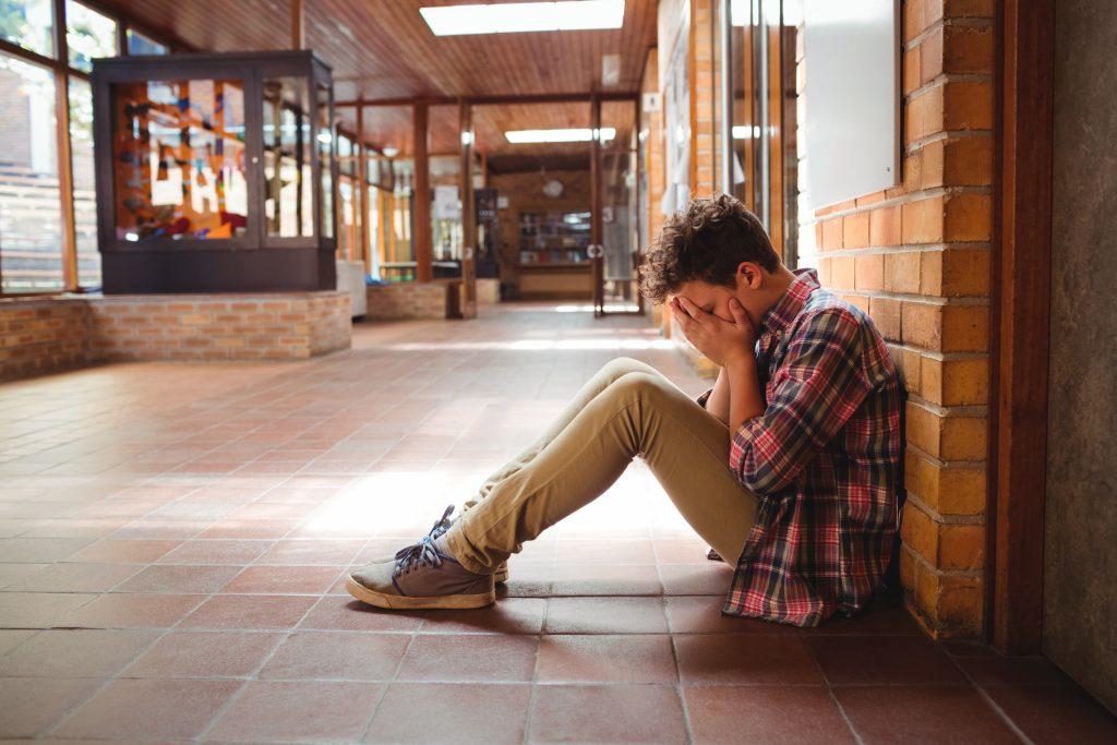 ruptura amorosa en la adolescencia Ruptura amorosa en la adolescencia: cómo ayudar a tu hijo a superarlo la ruptura amorosa en la adolescencia 1024x683